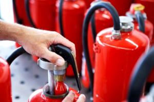 Правила пользования водопенным огнетушителем