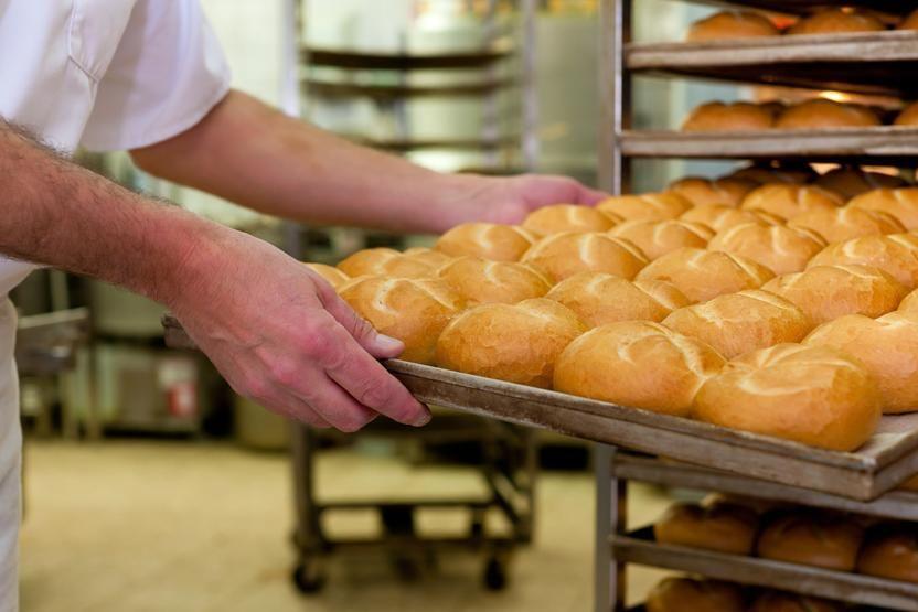 работник-пекарни